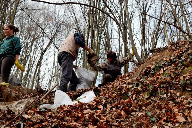 volonteri-nova-akropola-ekoloska-akcija